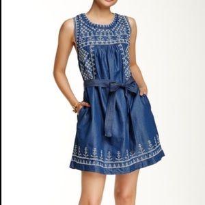Romeo + Juliet Couture NWT Chambray Dress Size XS